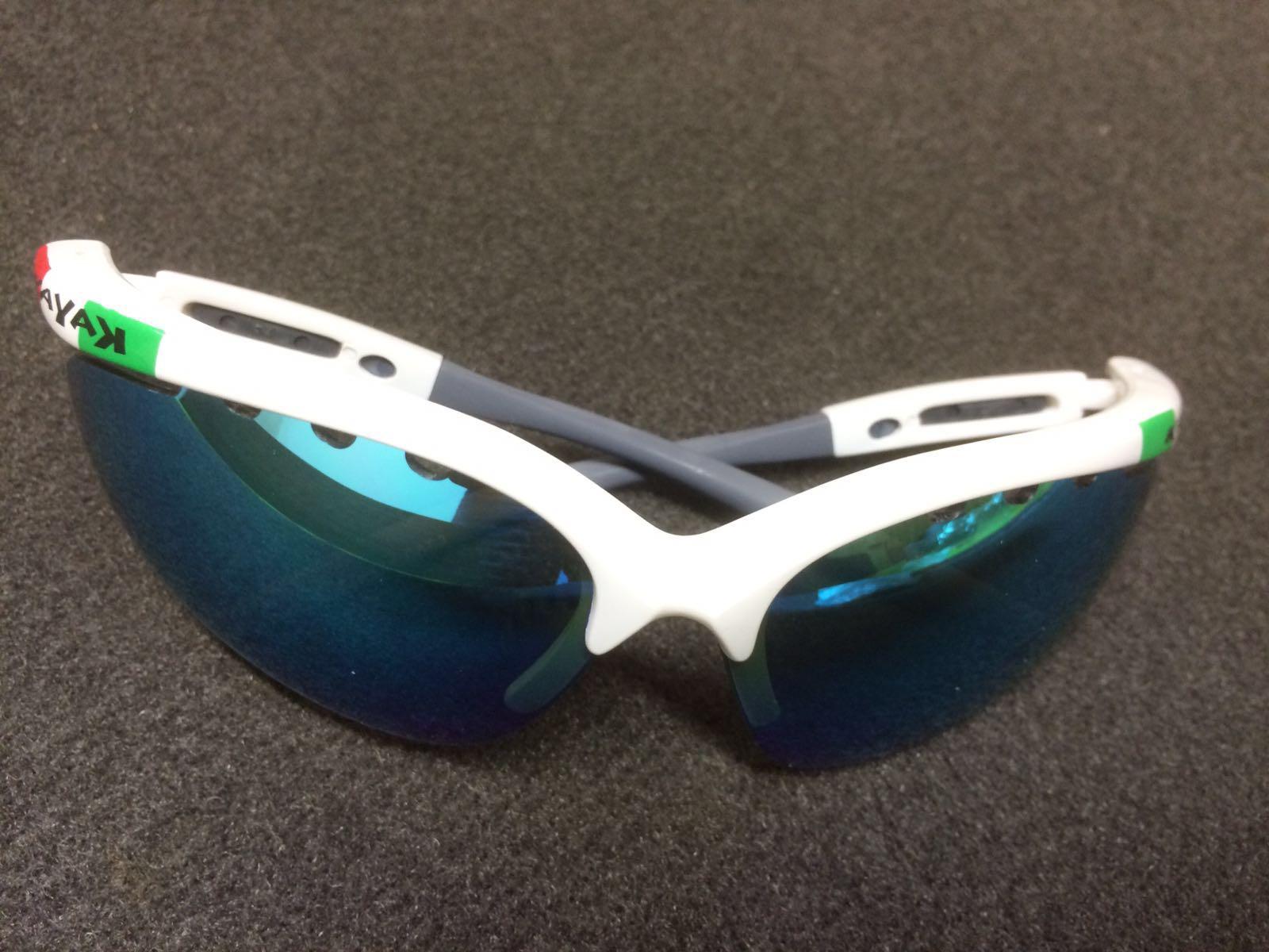 occhiali Tatao Photochromic con lenti intercambiabili (bianche/gialle/specchio) €30,00